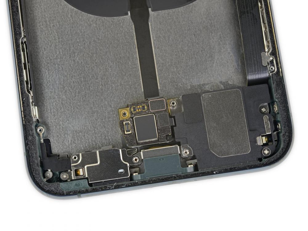 iPhone 11 Pro Max iFixit Teardown