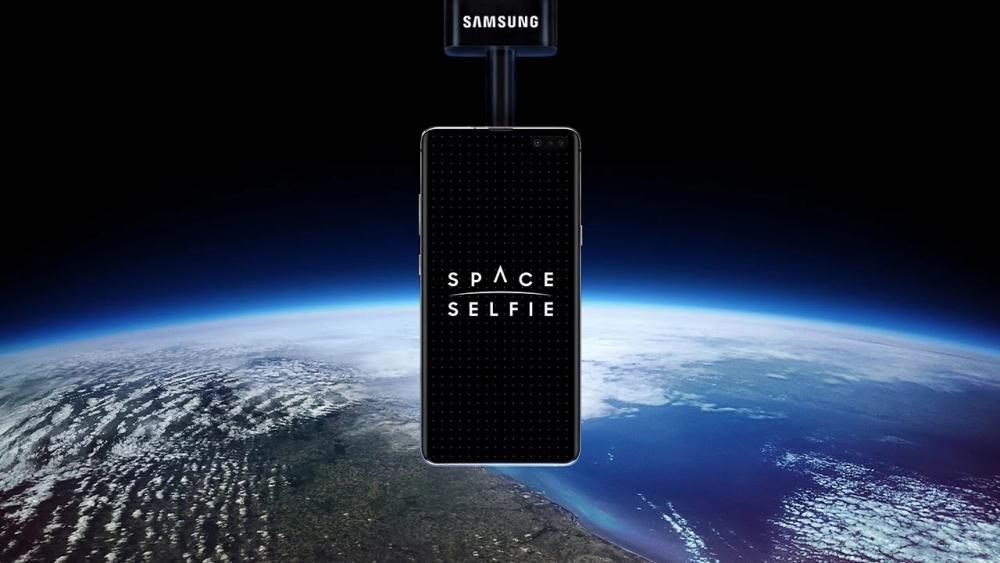 Samsung Galaxy S10 5G Samsung Space Selfie