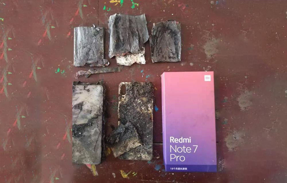Redmi Note 7 Pro Fire In Use