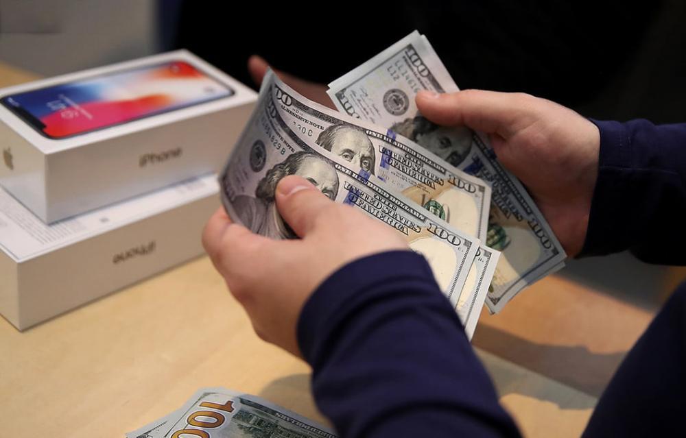 iPhone and iPad Counterfeit Apple 6 million dollars