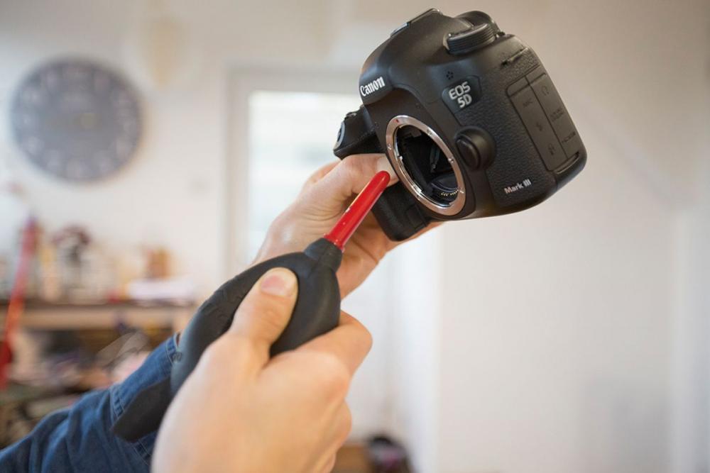 Μάθε πως να καθαρίζεις κάμερα και φακό