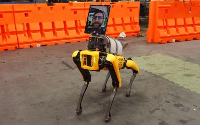 Boston Dynamics Spot helps covid-19