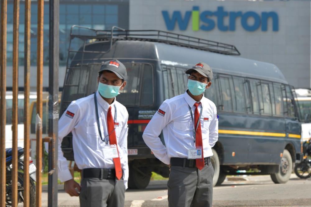 Συλλήψεις εργατών σε εργοστάσιο παραγωγής iPhone