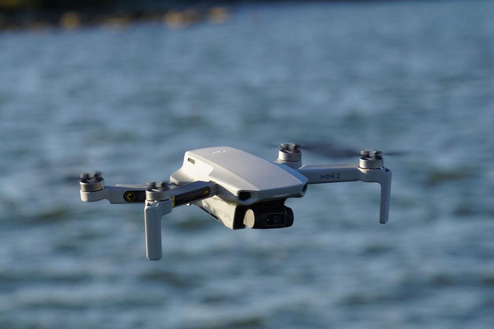 """Η DJI προσφέρει επί πληρωμή εγγύηση για τα drones που """"ξεφεύγουν"""""""