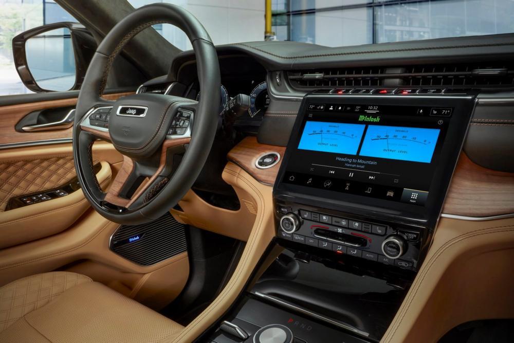Grand Cherokee L 2021 McIntosh MX950 Entertainment System