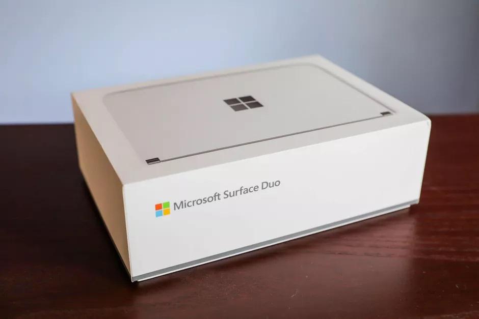Surface Duo: Έρχεται το Φεβρουάριο στην Ευρώπη με τιμή 1.299 ευρώ;