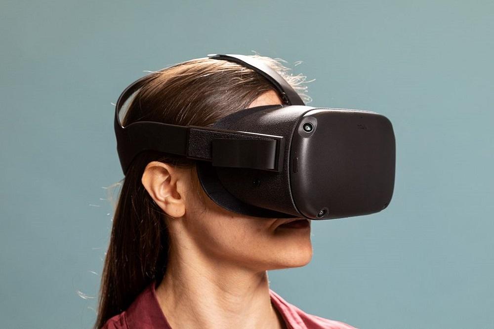 Το πρώτο VR headset της Apple έρχεται το 2022 με fan και...