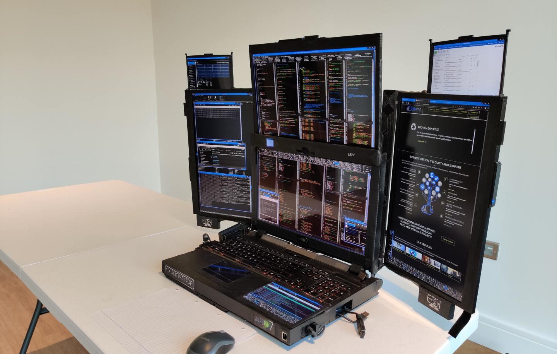 Και όμως υπάρχει laptop με... 7 οθόνες, το Aurora 7