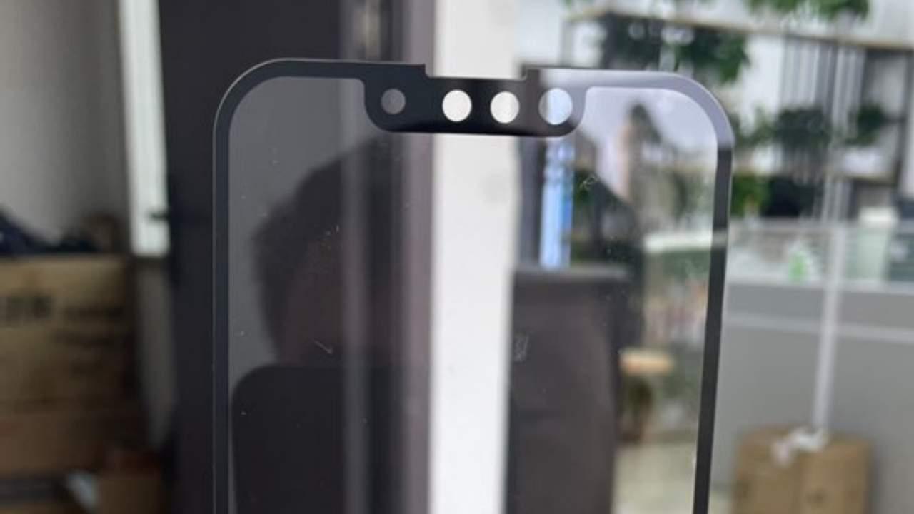 Νέα σύγκριση μεγέθους notch μεταξύ iPhone 12 και 13