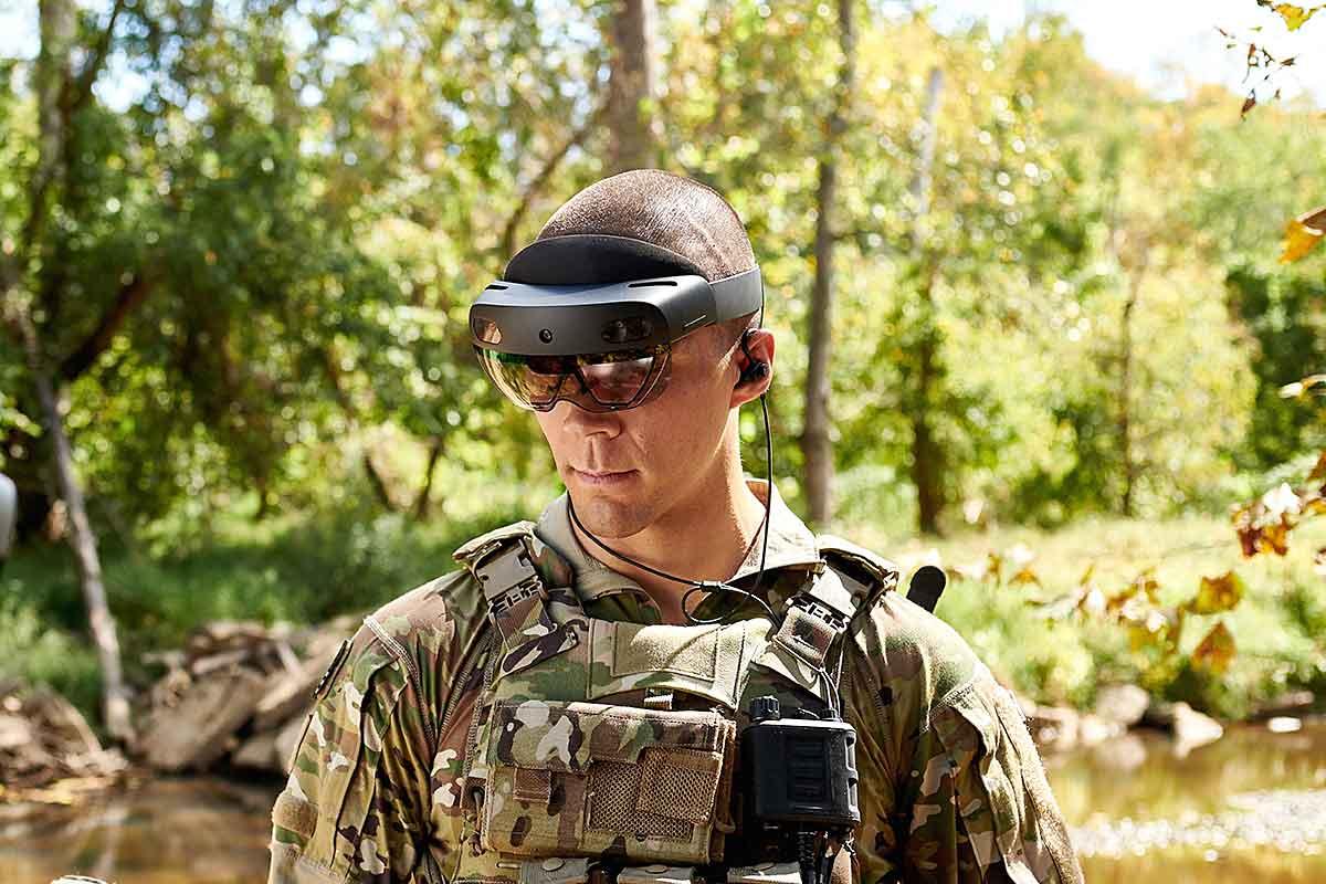 H Microsoft ετοιμάζει γυαλιά AR για στρατιωτική χρήση