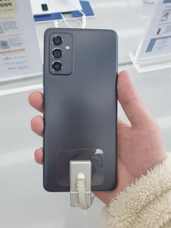 Διαρροή φωτογραφιών για το Samsung Galaxy A82