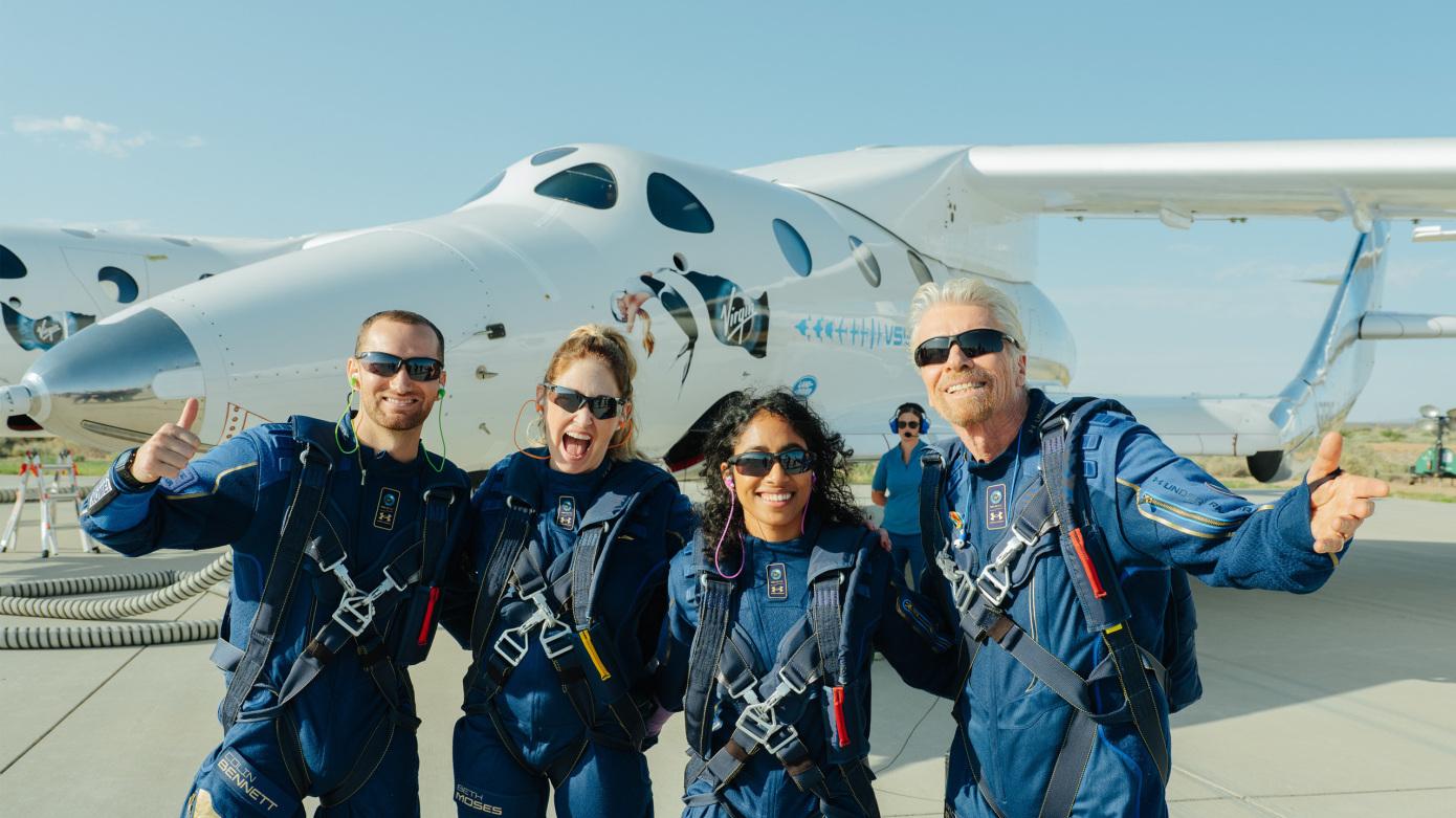 Virgin Galactic: Κλήρωση για ταξίδι τύπου... Μπράνσον στο διάστημα