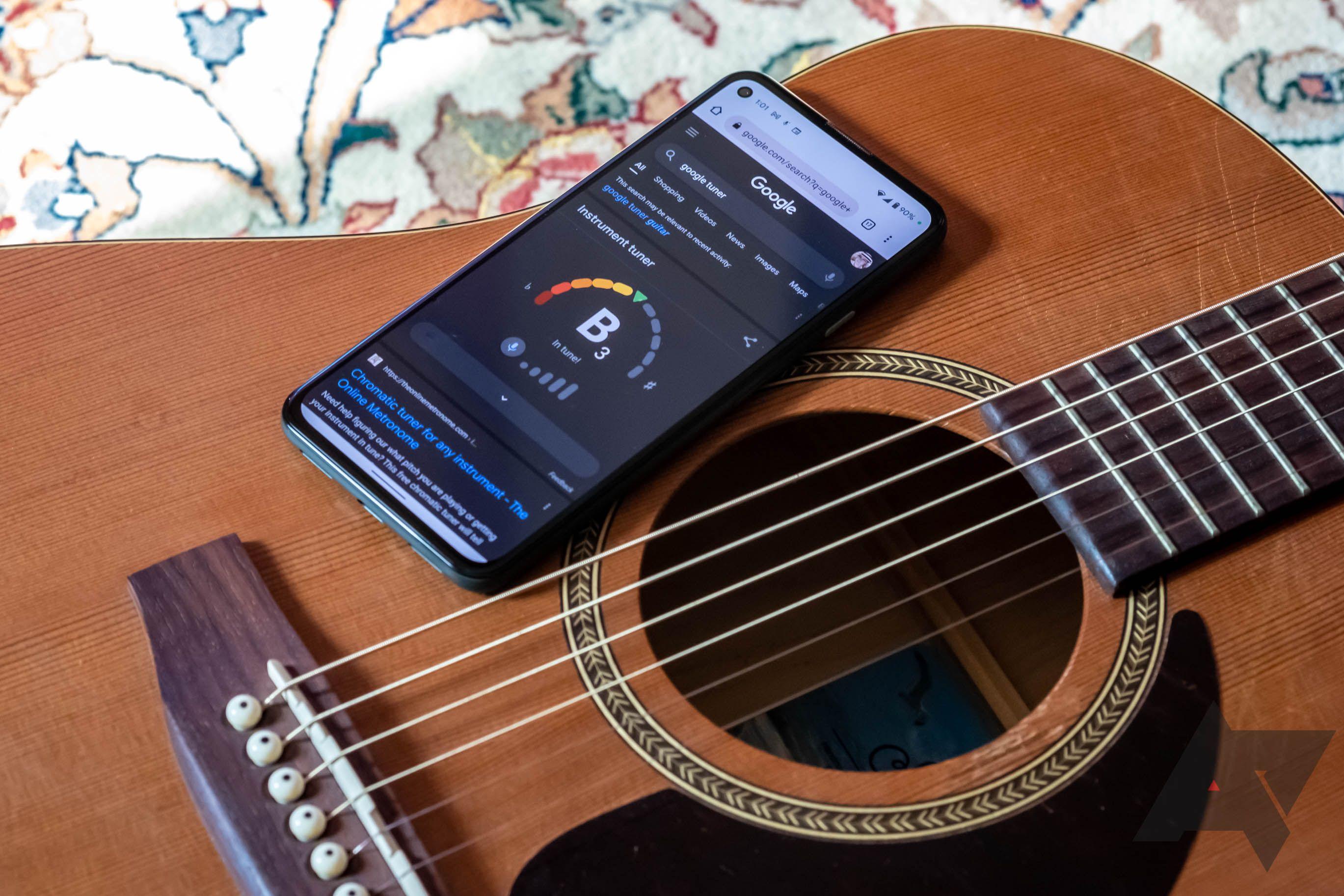 Sie können Ihre Gitarre jetzt mit der Google-Suche stimmen